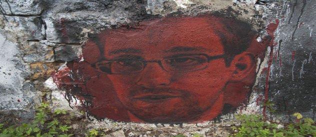 Edward_Snowden_graffiti
